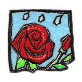écusson carré rose rouge