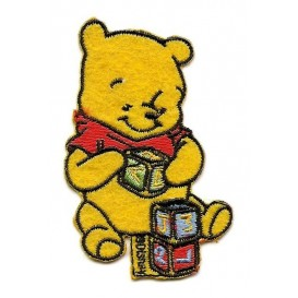 écusson disney winnie l'ourson jouet thermocollant