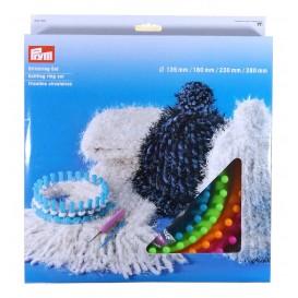 4 tricotins circulaires + 1 aiguille + 1 crochet