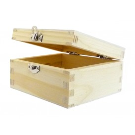 boîte carrée en bois
