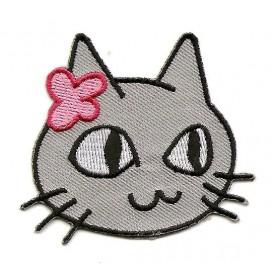 écusson tête de chat gris